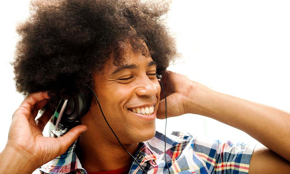 110414-HIS-Expert-Tips-for-Keeping-Your-Hair-Looking-its-Best-Afro
