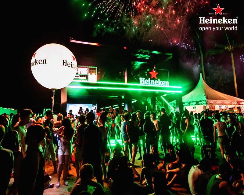 5.-Heineken@ZoukOut2013-444e-Fireworks-at-Heineken-Tent