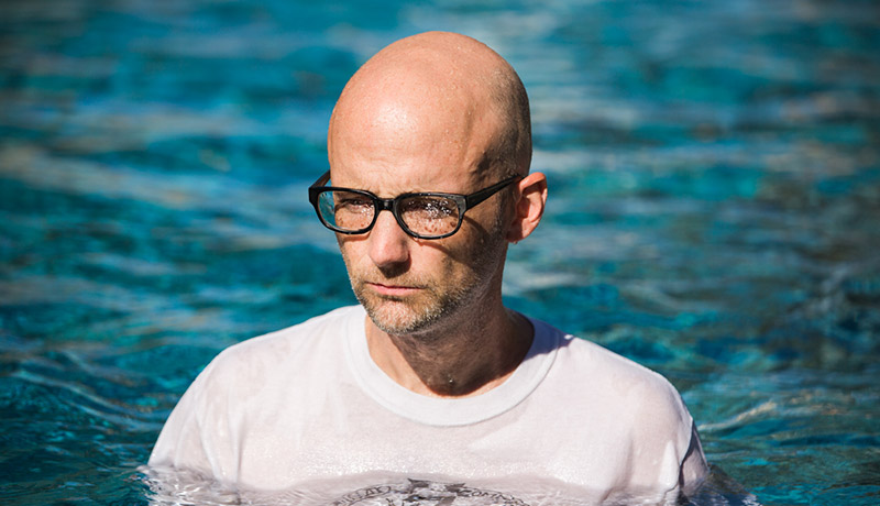 video-moby-this-wild-darkness