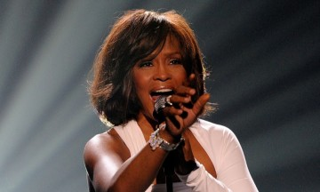 LOS ANGELES, CA - NOVEMBER 22:  Singer Whitney Houston accepts the Winner of International - Favorite Artist Award onstage at the 2009 American Music Awards at Nokia Theatre L.A. Live on November 22, 2009 in Los Angeles, California.  (Photo by Kevork Djansezian/Getty Images)