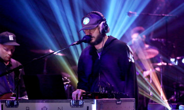 bon-iver-tonight-show-2016-performance-billboard-1548