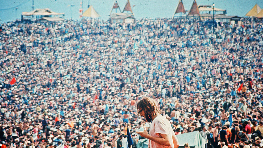 Editorial use only. No book cover usage. Mandatory Credit: Photo by Warner Bros/Kobal/REX/Shutterstock (5884678b) Woodstock (1970) Woodstock - 1970 Director: Michael Wadleigh Warner Bros USA Scene Still