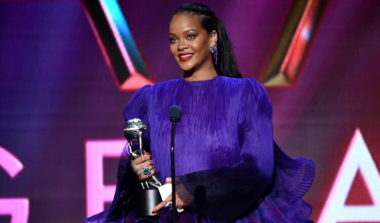 Rihanna-naacp-awards-2020