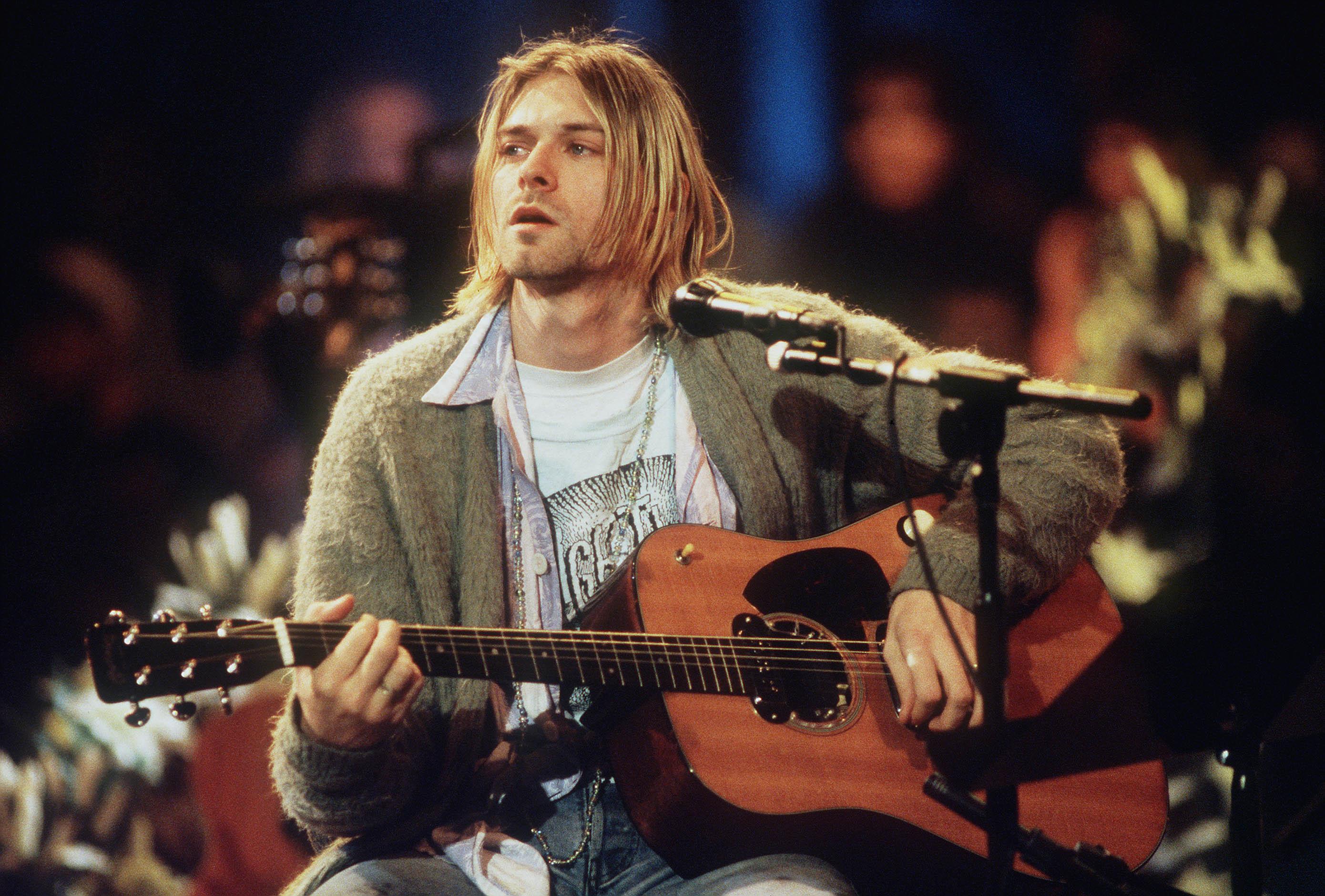 kurt-cobain-guitar-juliens-auction
