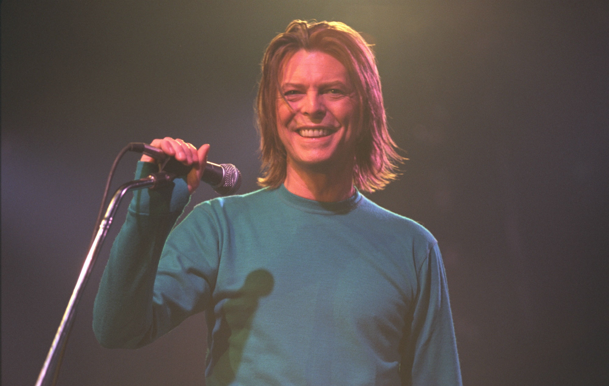 david-bowie-something-in-the-air-live-paris-99